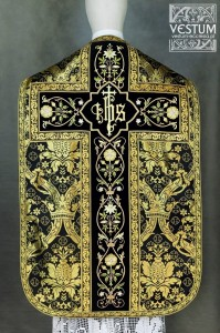Roman chasuble with embroidery on velvet