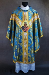 Gothic chasuble with applications